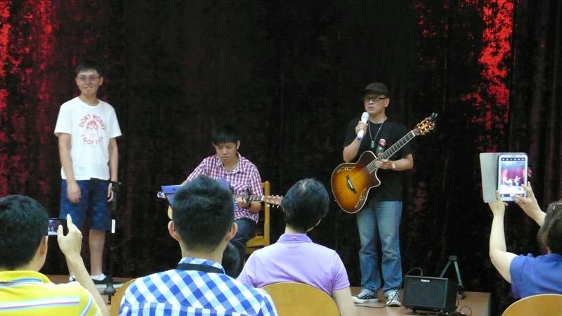 李爸&病友們歌唱表演